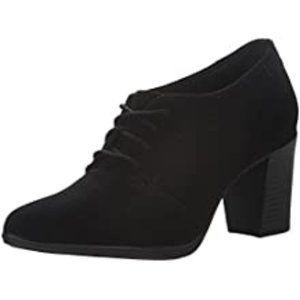 Clarks Araya Hale Suede Lace Up Booties Shoes